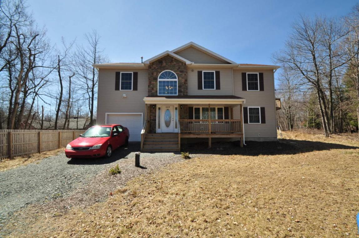 111 Huckleberry Rd, Long Pond, PA 18334