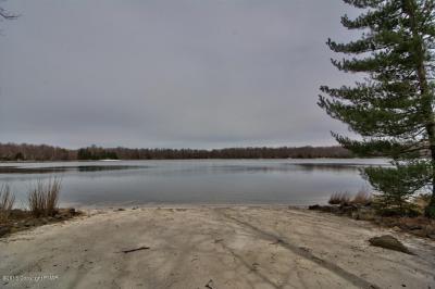 Photo of 3230 Tall Timber Lake Rd, Pocono Pines, PA 18350