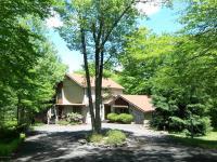 143 Moseywood Rd, Lake Harmony, PA 18624