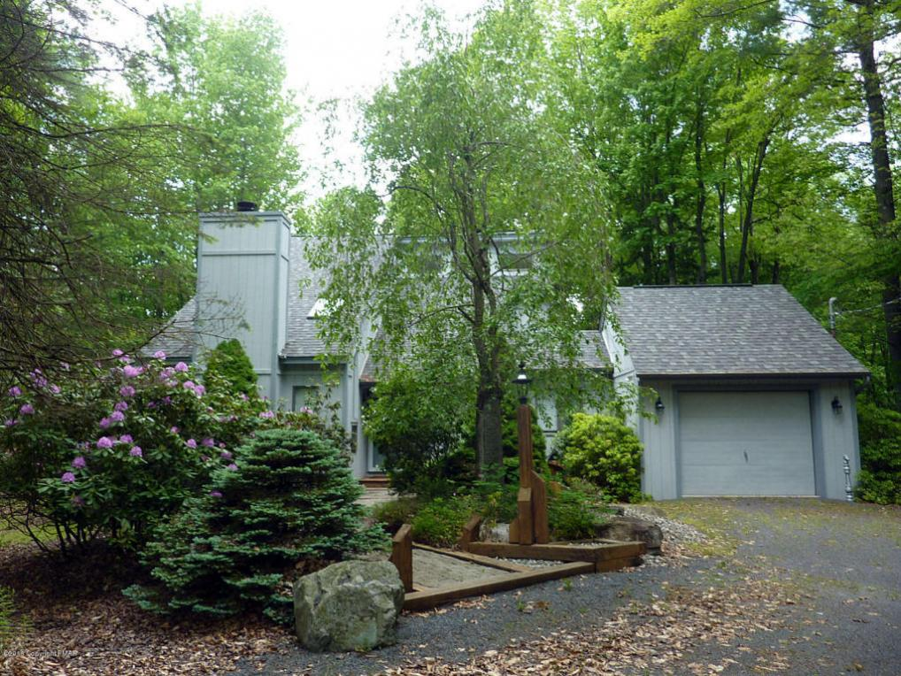 299 Longview Lane, Pocono Pines, PA 18350