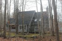 383 Maxatawny Dr, Pocono Lake, PA 18347