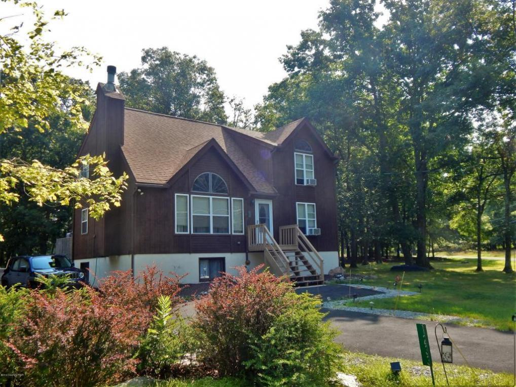 1233 Steele Circle, Bushkill, PA 18324