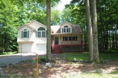 Photo of 172 Wyomissing Dr, Pocono Lake, PA 18347