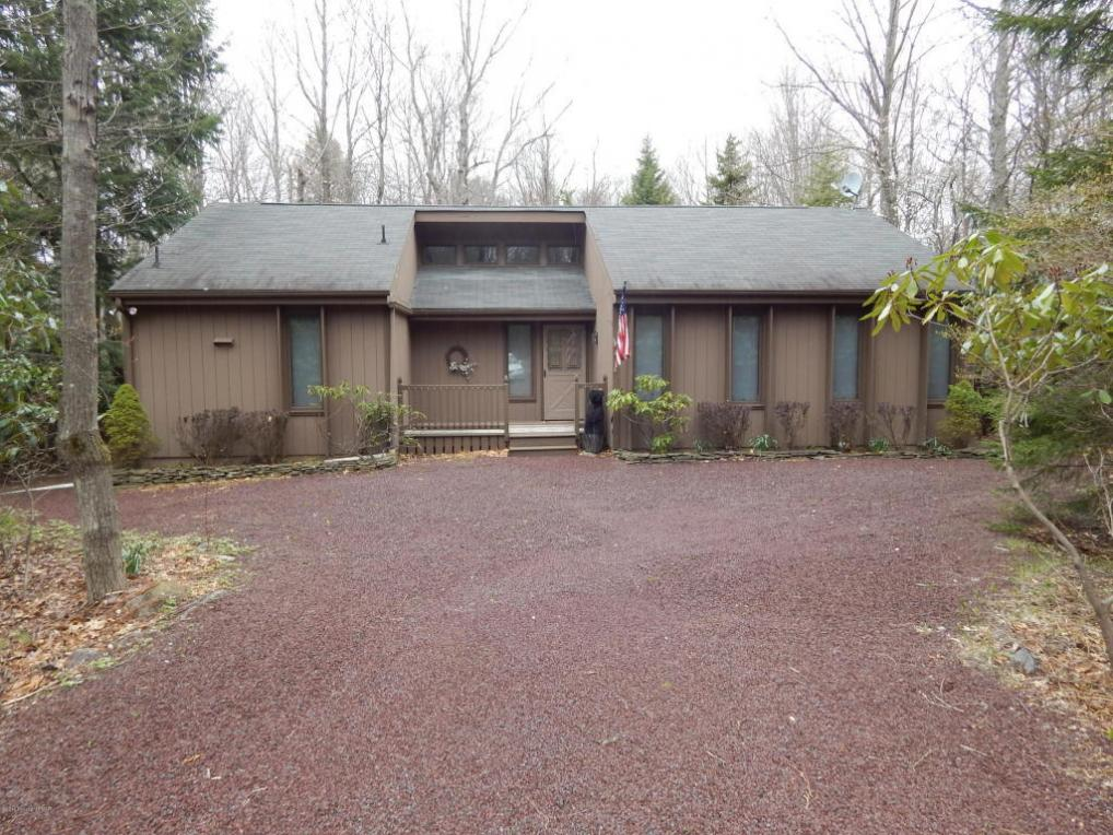 315 Long View Ln, Pocono Pines, PA 18346
