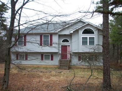 17 Johnson Ln, Albrightsville, PA 18210