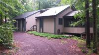 5464 Woodland Ave, Pocono Pines, PA 18350