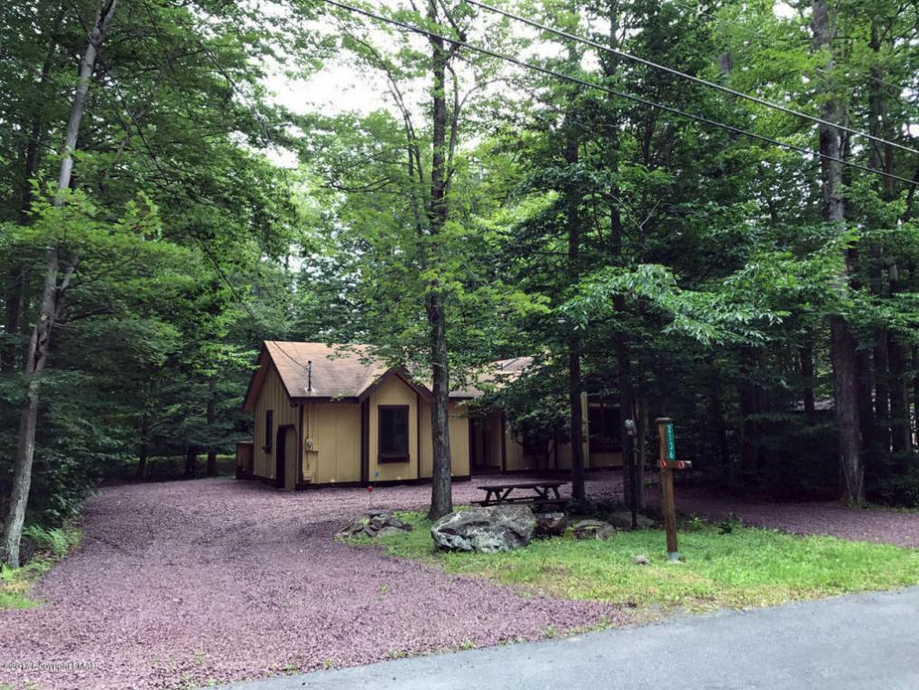 2136 Oak Road, Pocono Pines, PA 18350