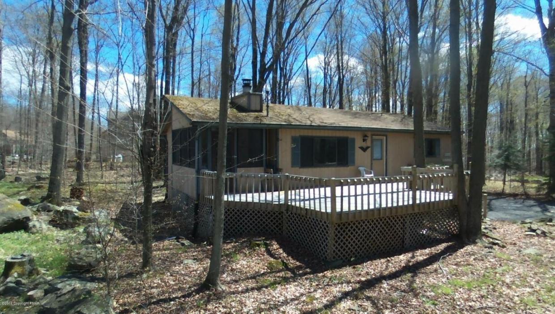 310 Maxatawny Dr, Pocono Lake, PA 18347
