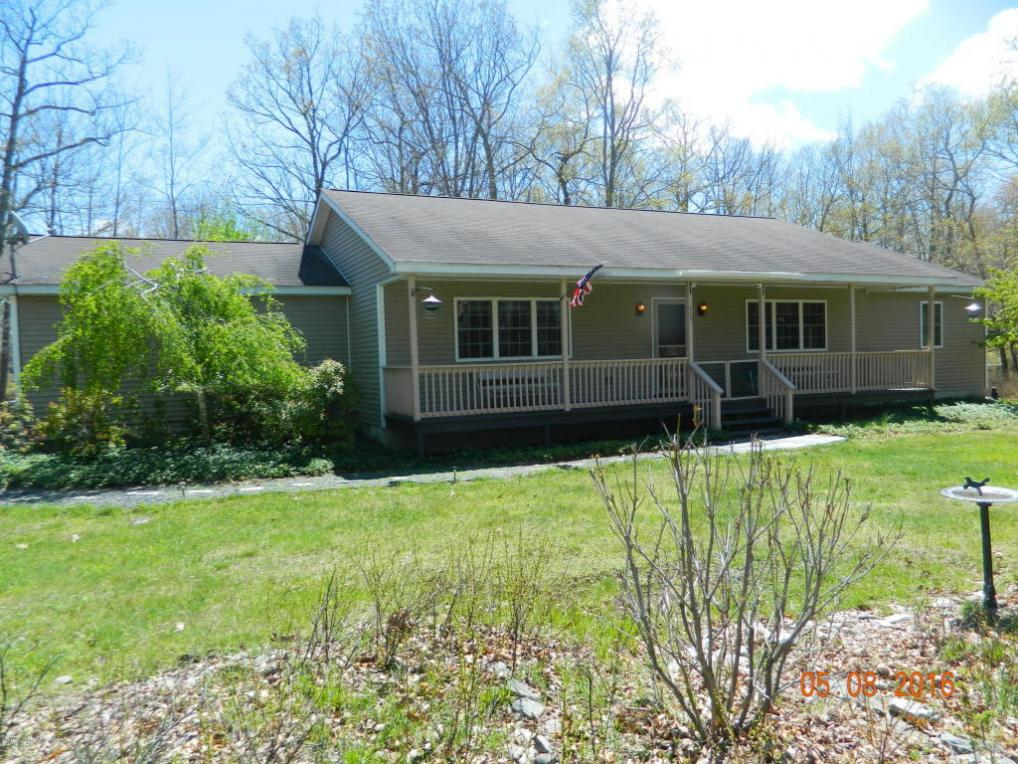 117 Oakenshield Drive, Tamiment, PA 18371