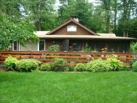 148 State Ave, Pocono Pines, PA 18350