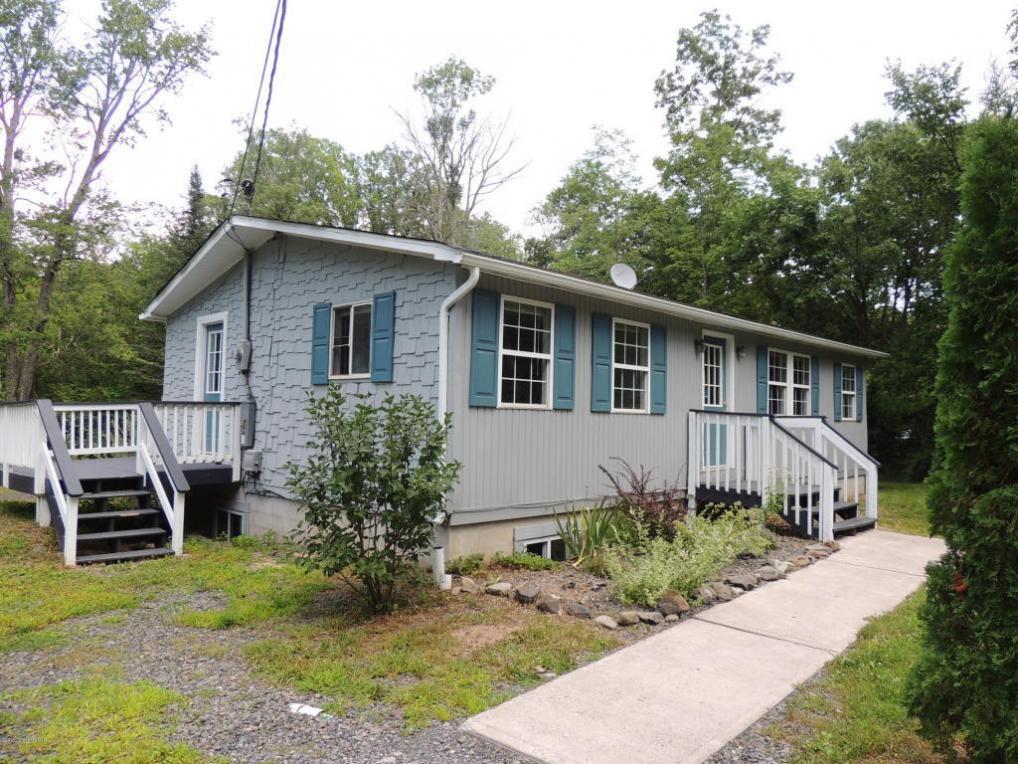 1476 Pocono Ln, Bartonsville, PA 18321
