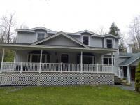 110 Blue Spruce Ct, Pocono Lake, PA 18347