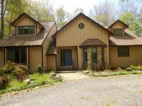 125 Tunkhannock Trl, Pocono Pines, PA 18350