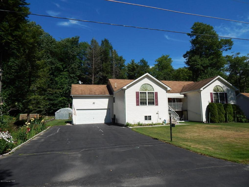 3251 Red Maple Ln, Pocono Pines, PA 18350