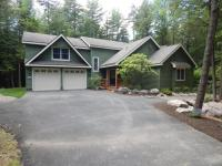 372 Brookside Dr, Pocono Pines, PA 18350