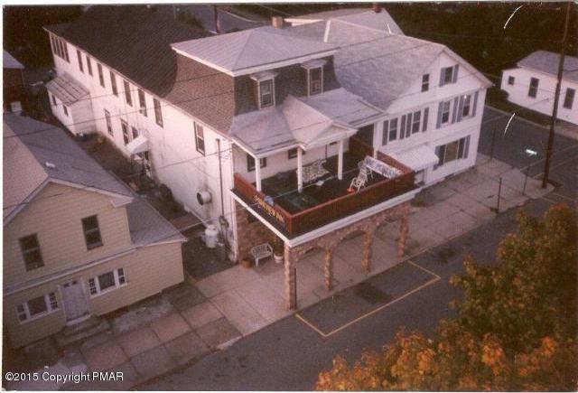 204 W Ludlow St, Summit Hill, PA 18250