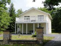 1221 Ironwood Court, Long Pond, PA 18334