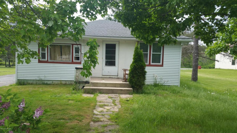 664 Laurel Dr, Tobyhanna, PA 18466