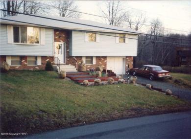 378 Owassa Dr, Pocono Lake, PA 18347