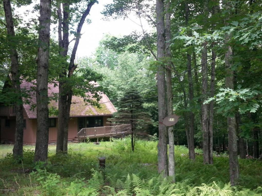305 Valley Rd, Canadensis, PA 18325