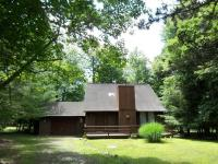 91 Estates Dr, Lake Harmony, PA 18624