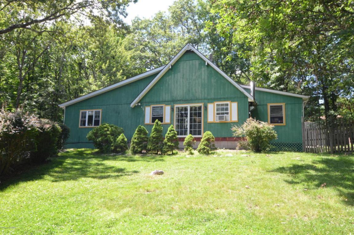 129 Murphy Cir, Bushkill, PA 18324