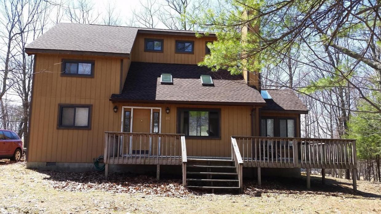 195 (610) Goldfinch Rd., Bushkill, PA 18324