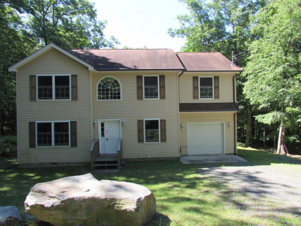 112 Chickadee Ln, Bushkill, PA 18324
