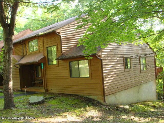 121 Meadow View Court, Bushkill, PA 18324