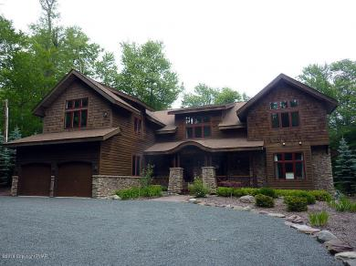 2141 Red Spruce Rd, Pocono Pines, PA 18350