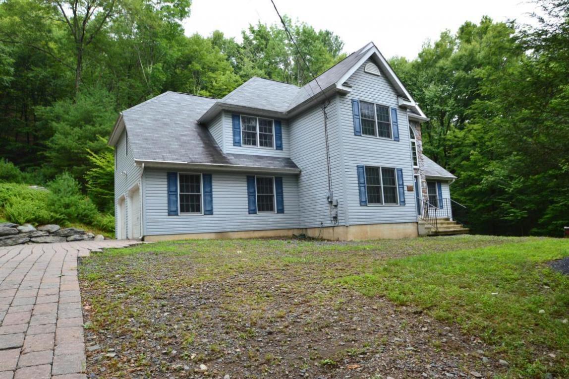 1821 Twin Pine Rd, Stroudsburg, PA 18360