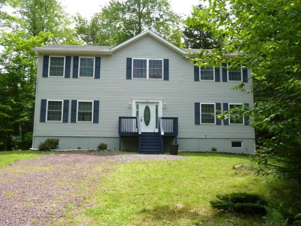 147 Safro Court, Pocono Lake, PA 12864