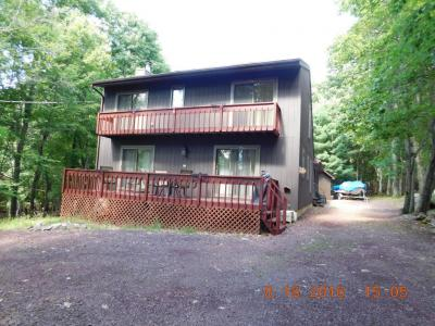 Photo of 144 Skye Dr, Lake Harmony, PA 18624