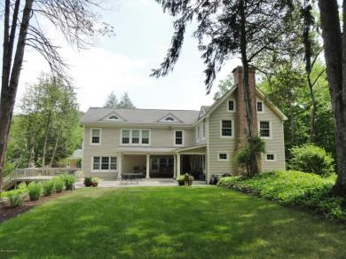 881 Hollow Rd, East Stroudsburg, PA 18301