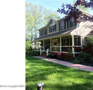 107 Fieldstone Ct, Saylorsburg, PA 18353