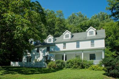 1841 Twin Pine Rd, Stroudsburg, PA 18360