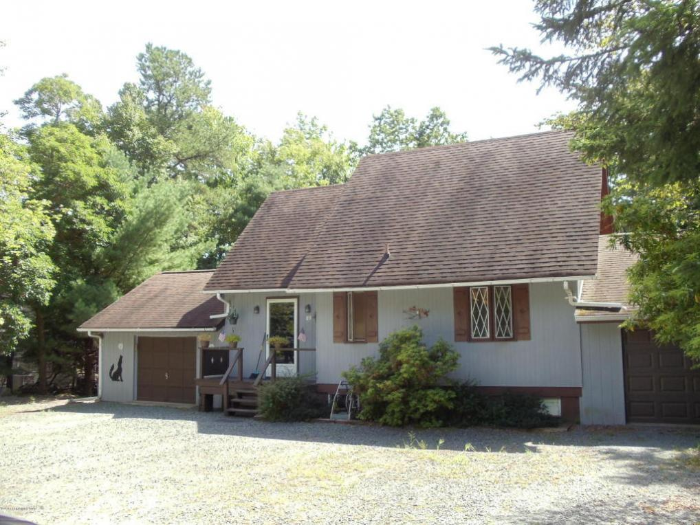 89 Greenwood Rd, Lake Harmony, PA 18624