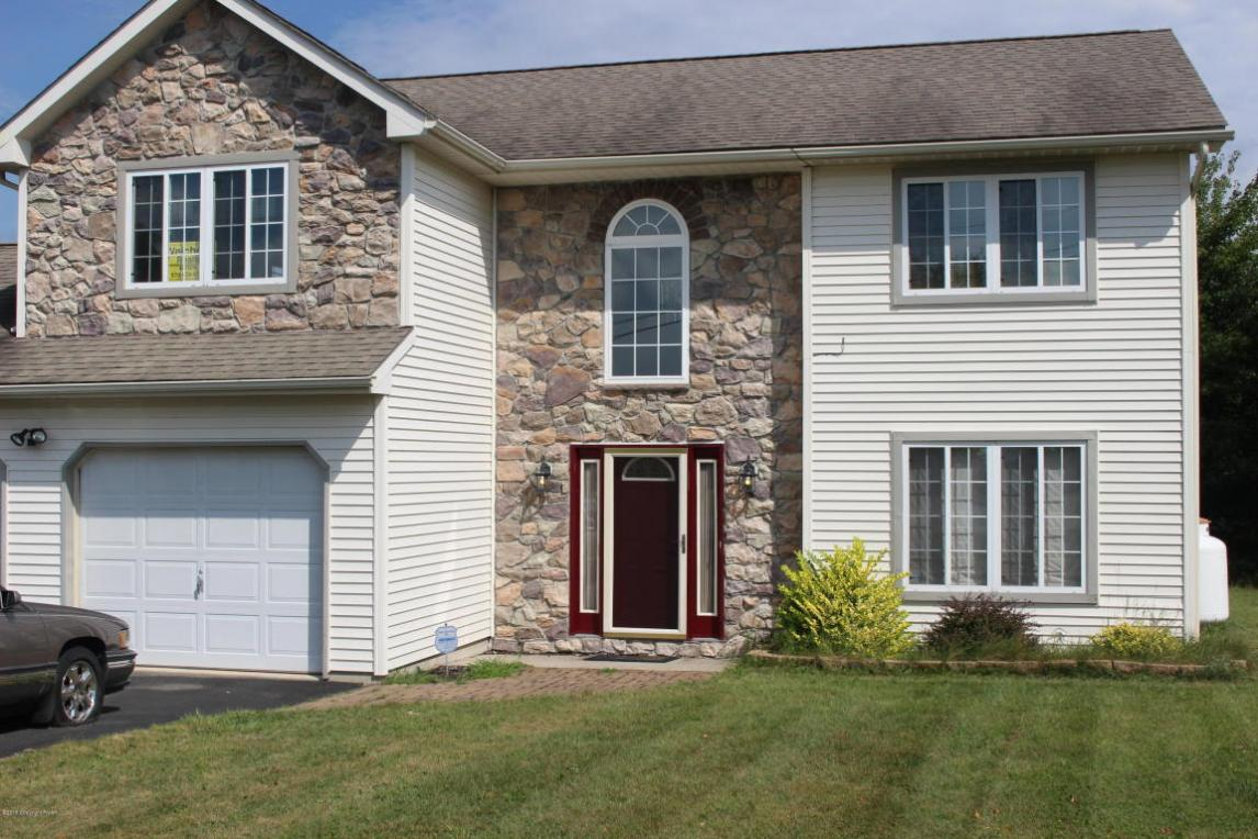1960 Sun Valley Dr, Blakeslee, PA 18610