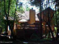 236 Little Pond Cir, Pocono Pines, PA 18350