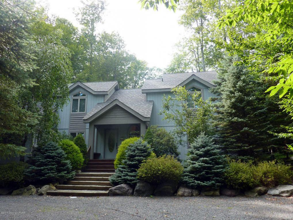 6259 Lakeview Drive, Pocono Pines, PA 18350