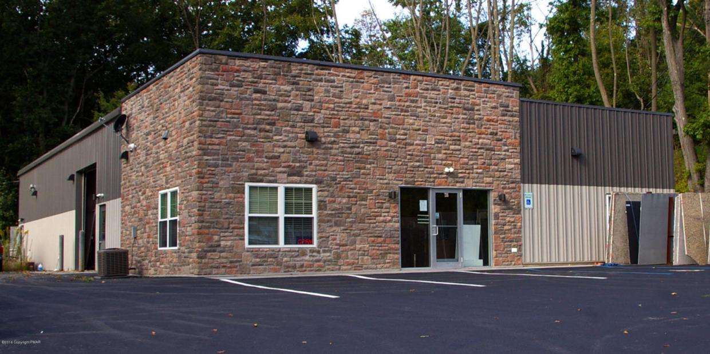 735 W Pennsylvania Ave, Pen Argyl, PA 18072