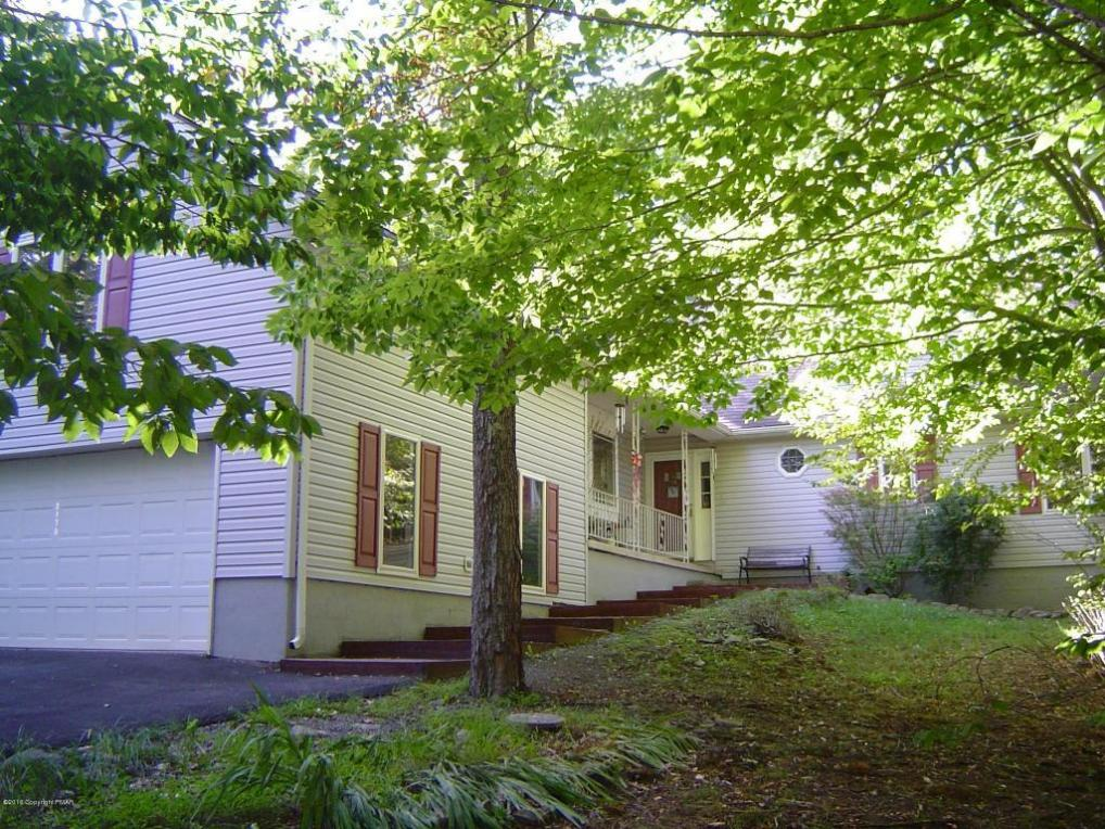 2170 Pine Valley Dr, Tobyhanna, PA 18466