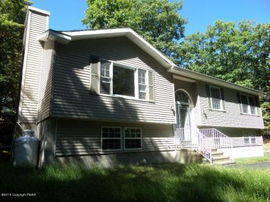 135 Arrowood Dr, Milford, PA 18337