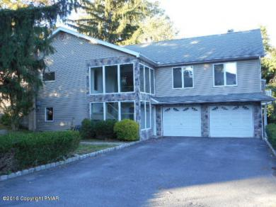 2234 Chipperfield Dr, Stroudsburg, PA 18360