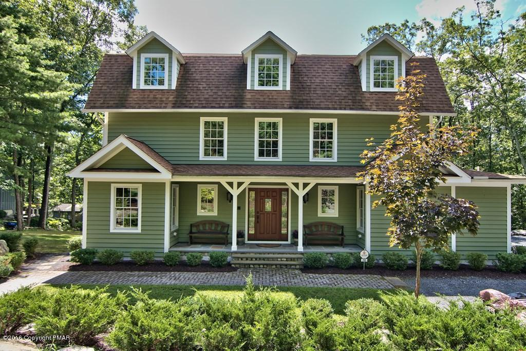 3153 Ledge Dr, Buck Hill Falls, PA 18323