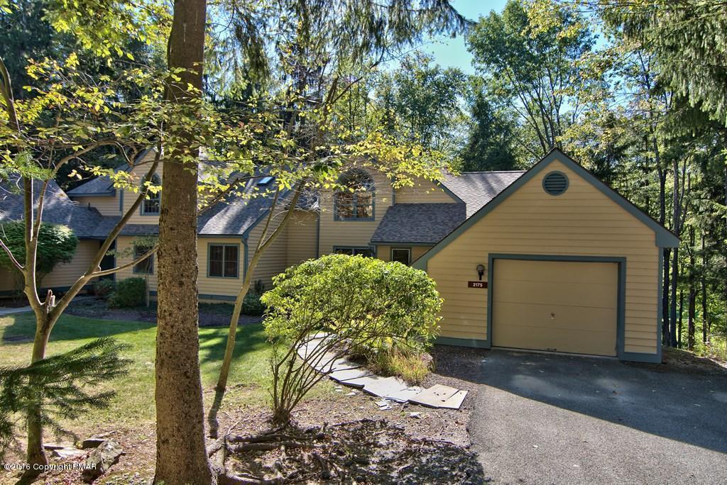 2175 Oak Hill Drive, Buck Hill Falls, PA 18323