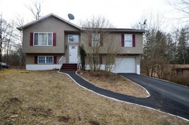 5034 S Pine Ridge Rd, East Stroudsburg, PA 18302