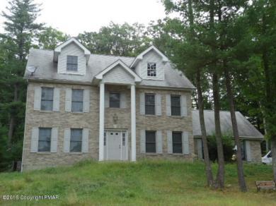 5208 Boxwood Ln, Stroudsburg, PA 18360