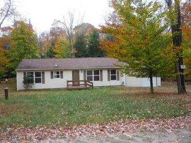 70 Laurel Woods Cir, Albrightsville, PA 18210