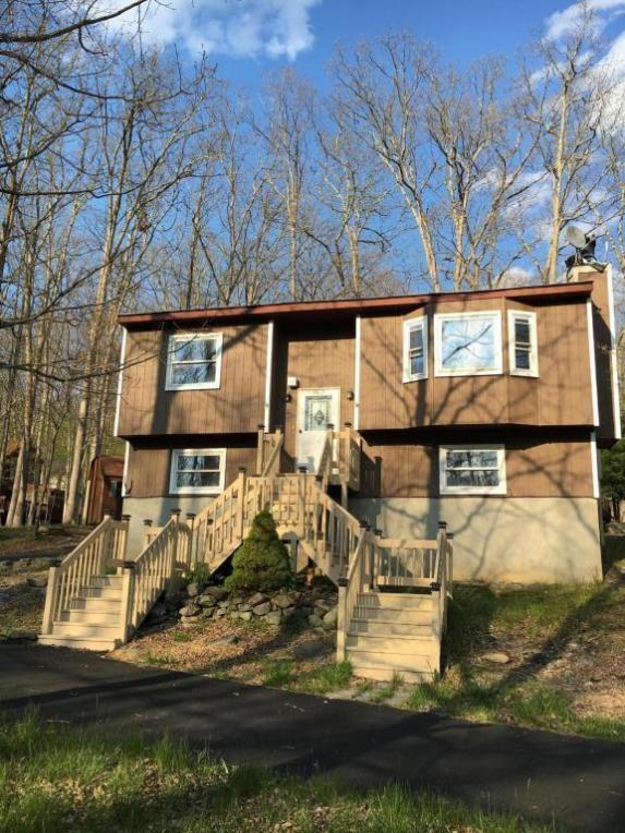 6229 Decker Road, Bushkill, PA 18324